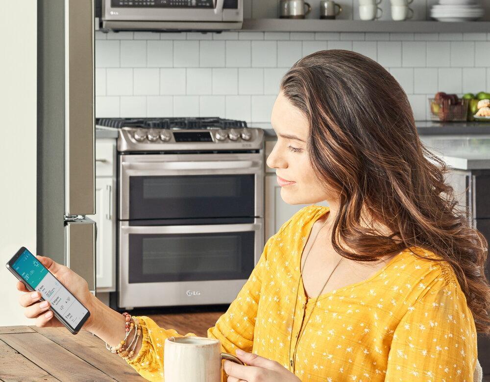 امکان کنترل و نظارت بر لوازم خانگی ال جی با قابلیت تشخیص صدای اپلیکیشن ThinQ